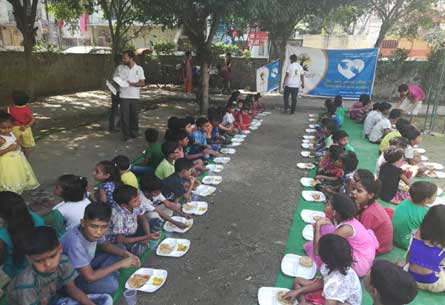 Bhandara on Navratri special with NAYI KIRAN Students in Chhatrapati Park Nyay Khand-III held on 14-Oct-2018