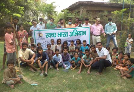 Swachh Bharat Abhiyan program executed by Team Nayi Kiran in Sector-10 Noida held on 02-Oct-2016
