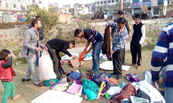 cloth distribution by team Nayi Kiran